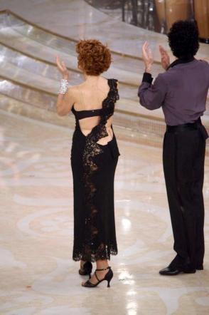 """Ballando con le stelle:Lucrezia """"inguainata"""" con Simone Di Pasquale"""