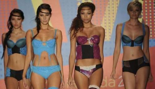 lingerie, mozzafiato, passerella, medellin, colombia, moda